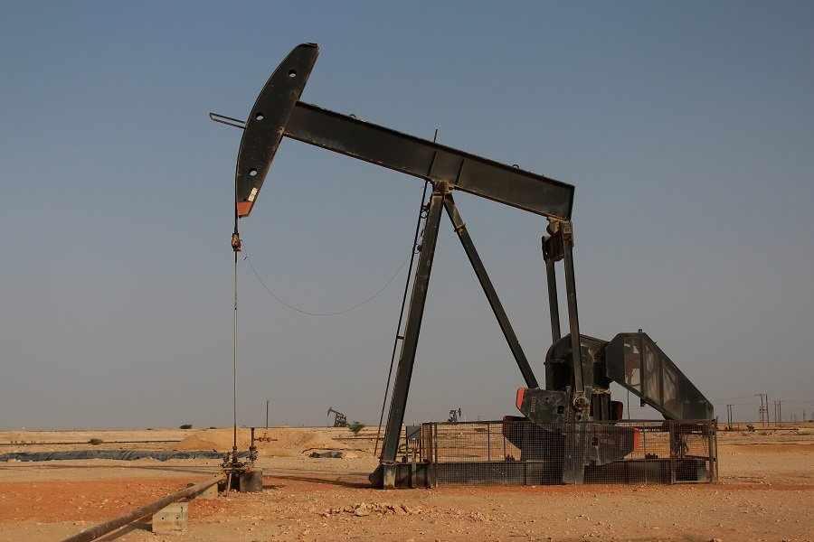 oman budget revenues oil
