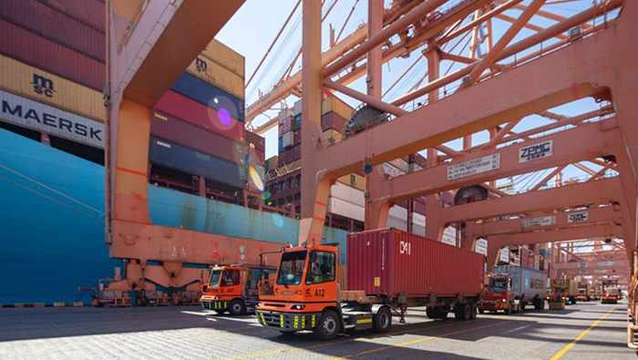 oman handling world container fastest
