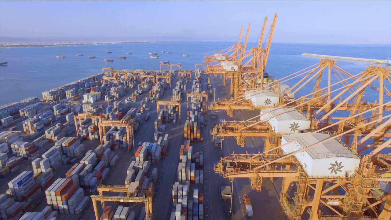 oman port salalah operational efficiency