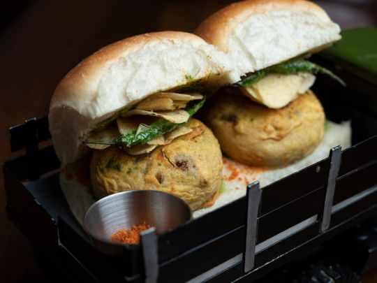 pav vada mumbai batata style