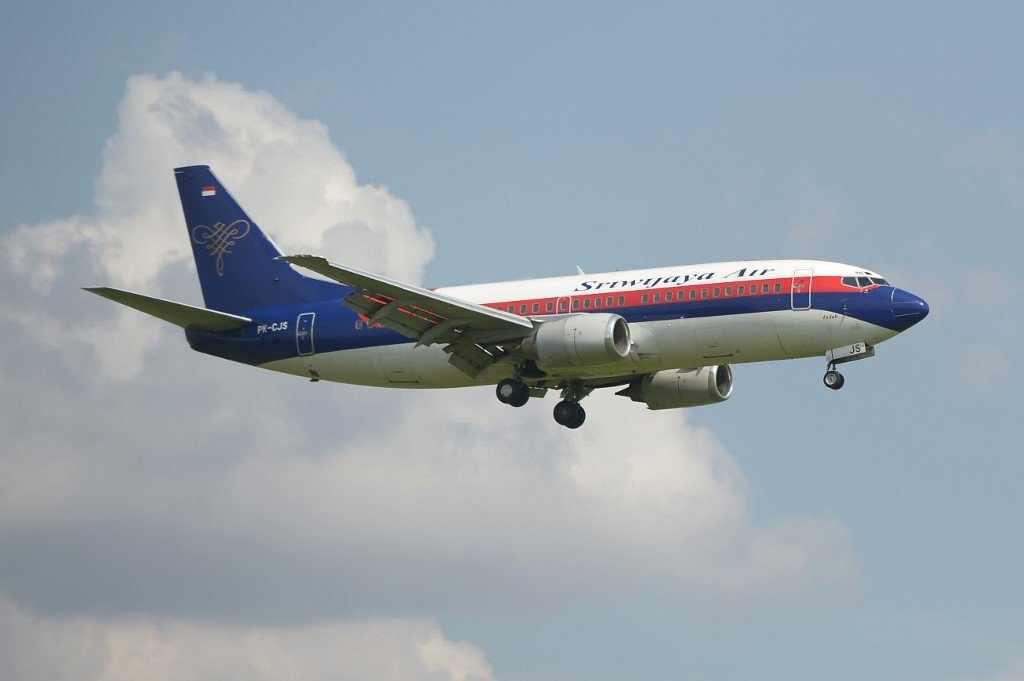 plane indonesian sriwijaya contact jakarta