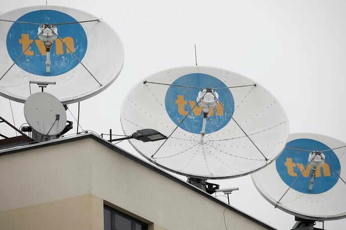 poland media debate law postpones