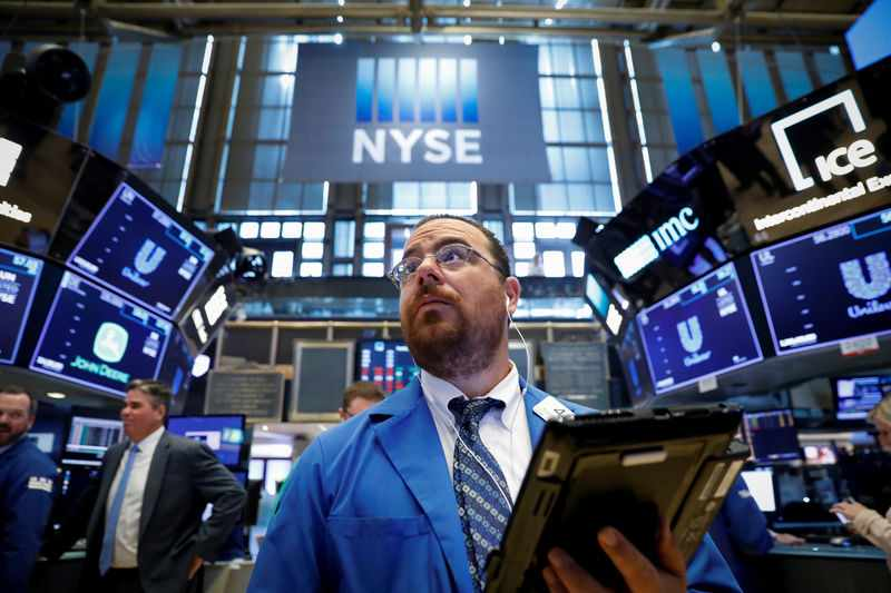 record tech earnings investors notches
