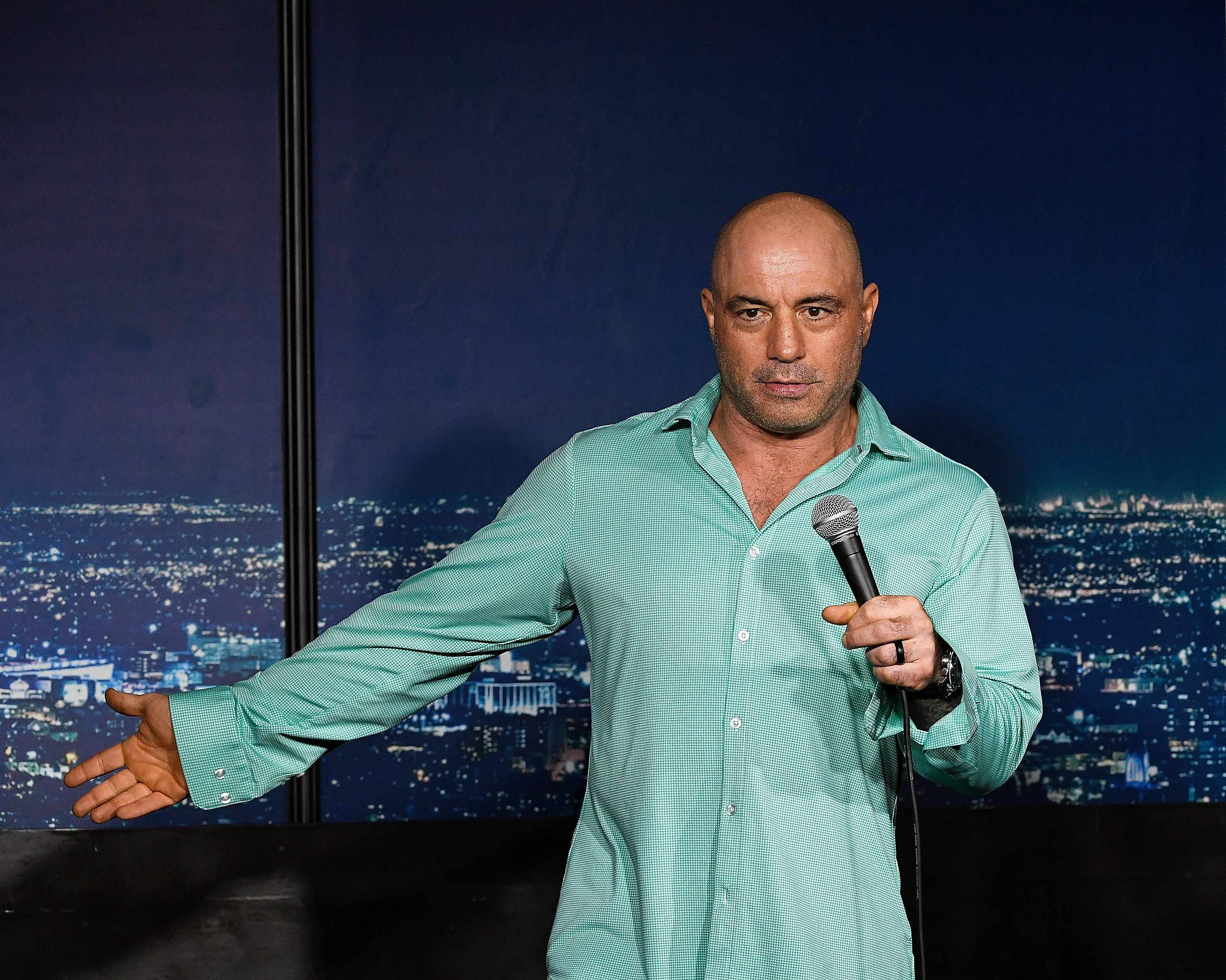 rogan, joe, appointment, host, vaccinated,