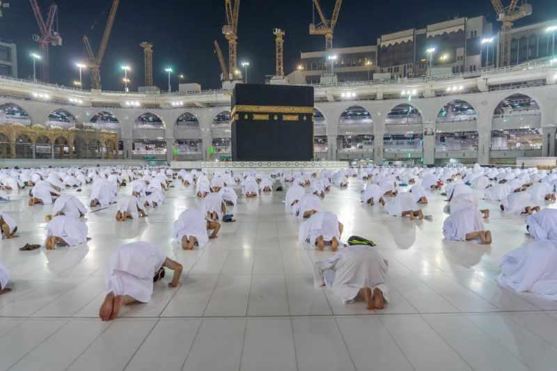 saudi arabia, umrah, pilgrimage, vaccinated, worshipers,