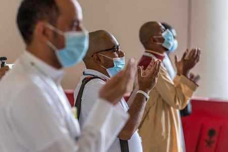 saudi foreign pilgrims visitors covid