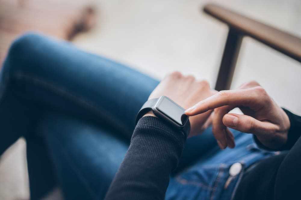 smartwatch app sounds alerts people
