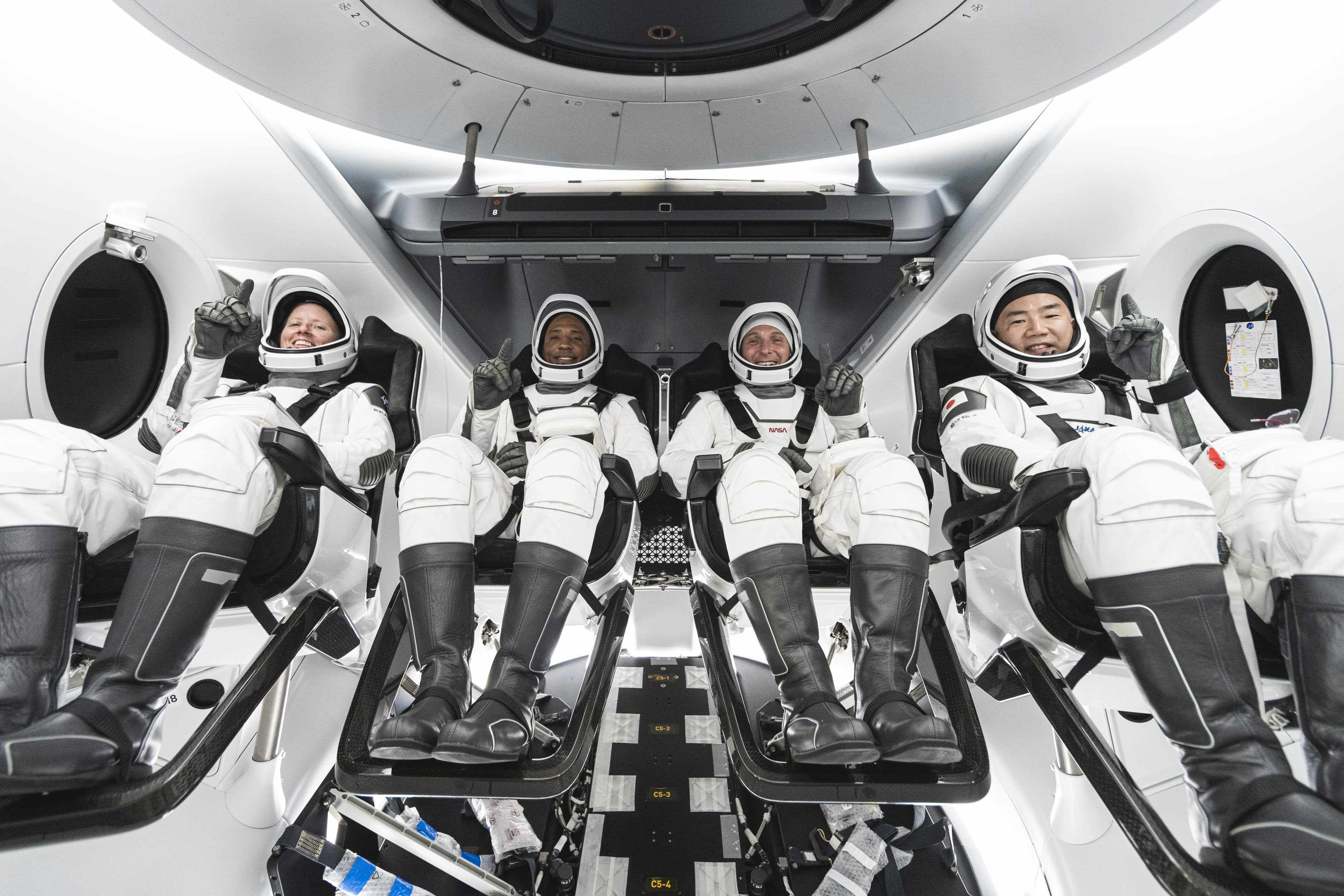 spacex nasa astronaut mission length