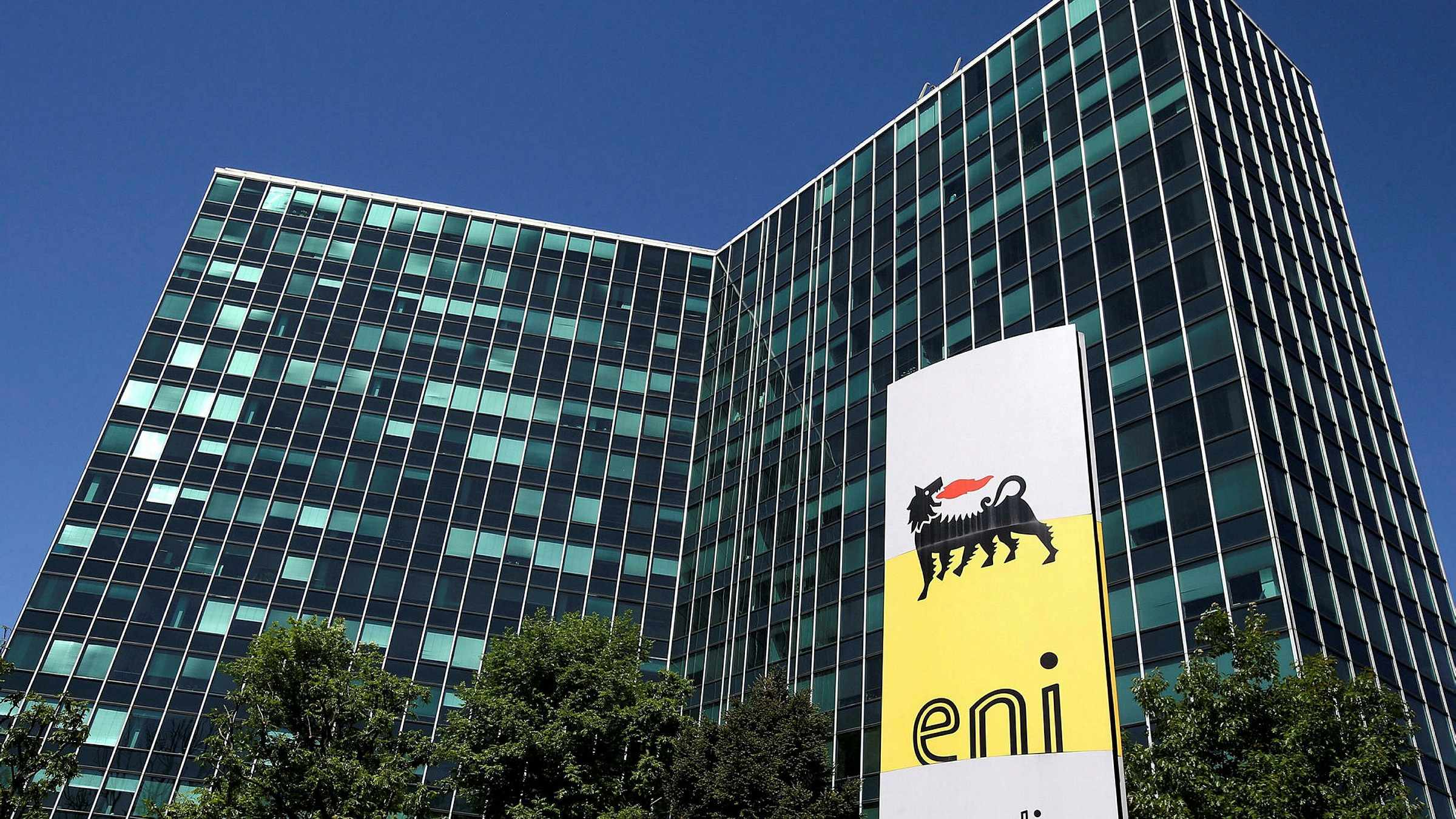 stake retail renewables division eni