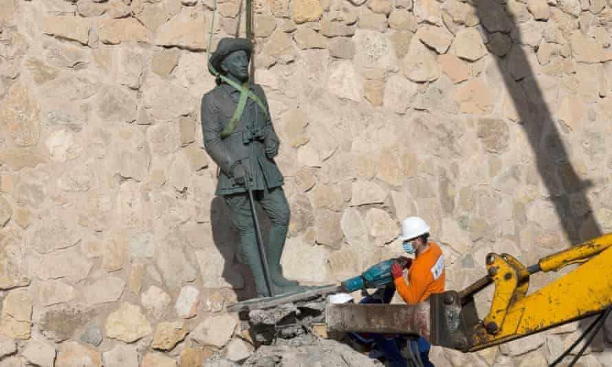 statue public spanish dictator franco