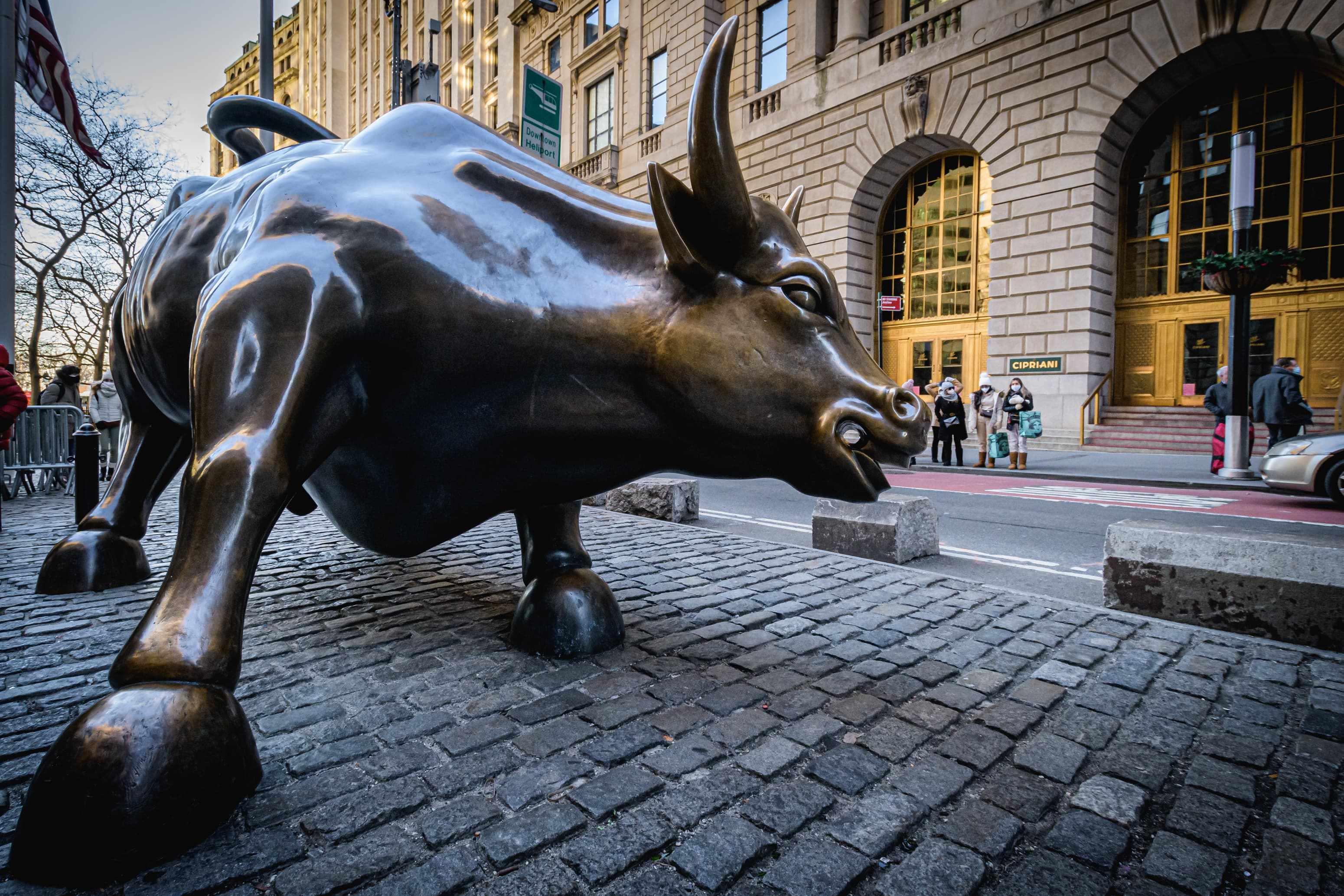stocks financial bullish chart pattern