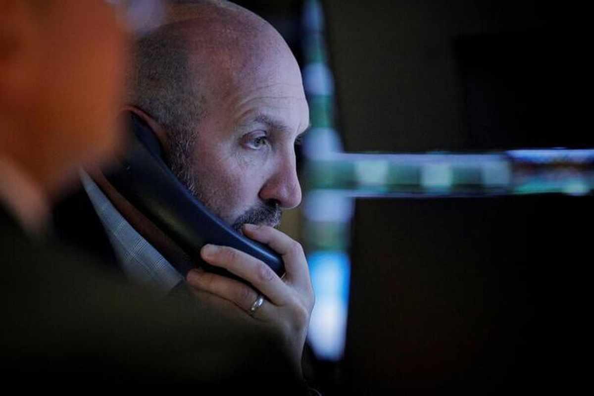 stocks global staunch economy index