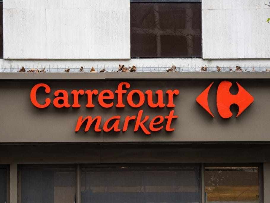 spain grocer french carrefour chain