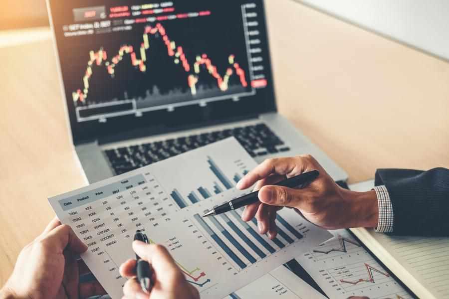 trending netflix boeing today stocks