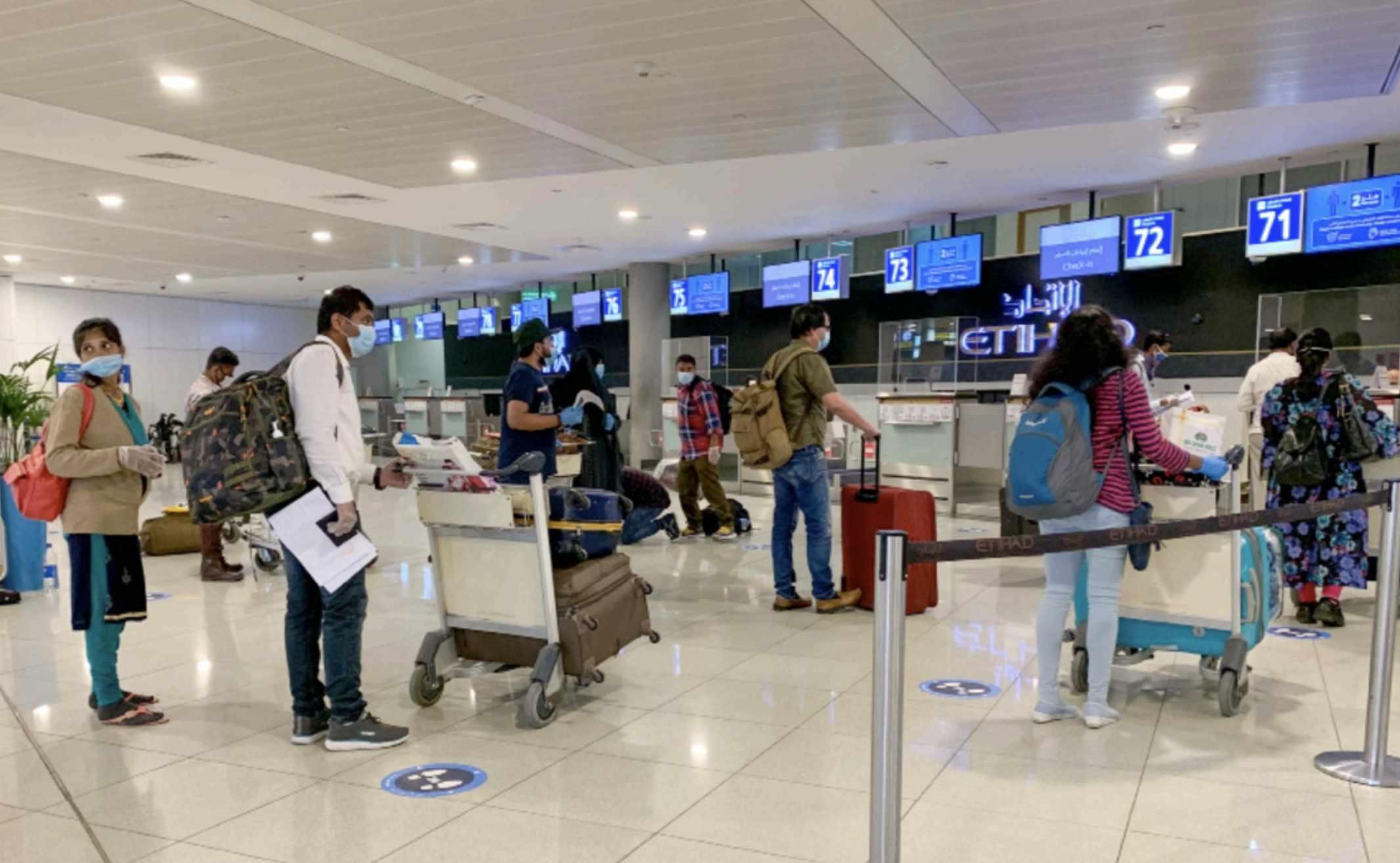 uae qatar travel stranded flights