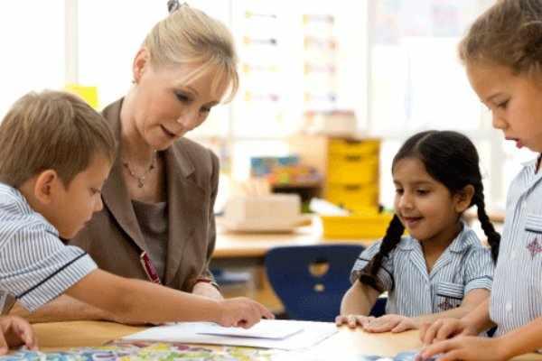 uae teachers educational covid admin