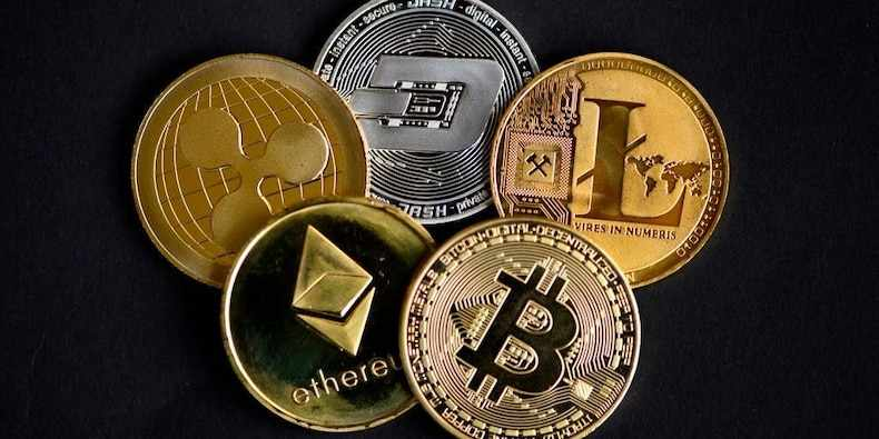 users network social media cryptocurrencies