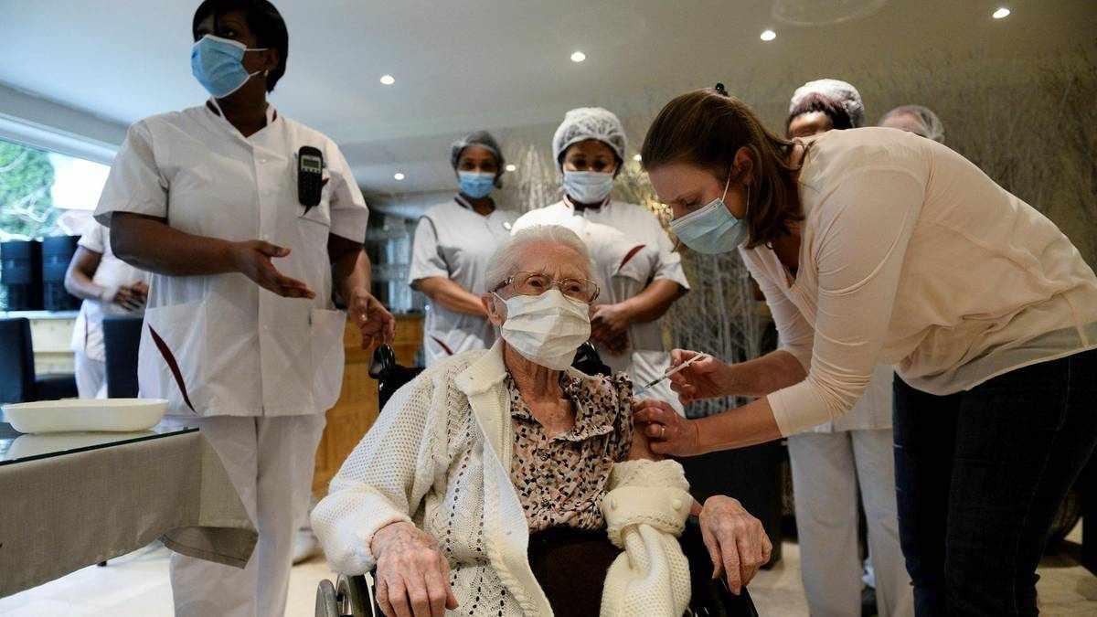 vaccines health workers job compulsory
