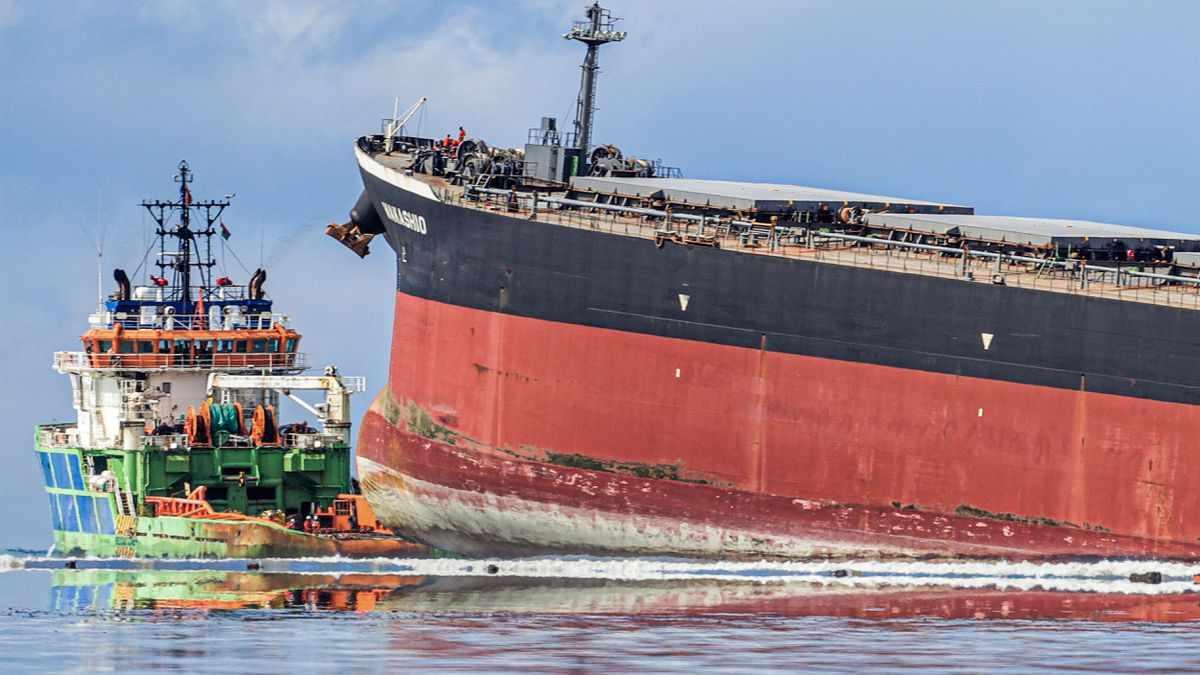 mauritius ship oil
