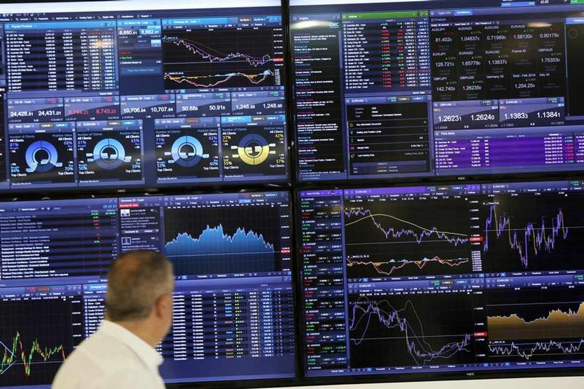 world stocks record highs near